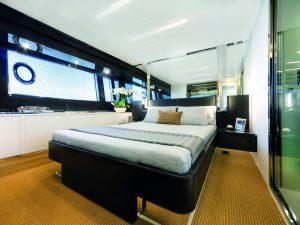 Riva 76 Bahamas Master cabin barchemagazine