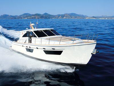 Cantieri Estensi 545 Goldstar, loyal to tradition