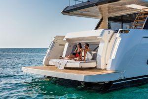 FERRETTI 780 yacht 3