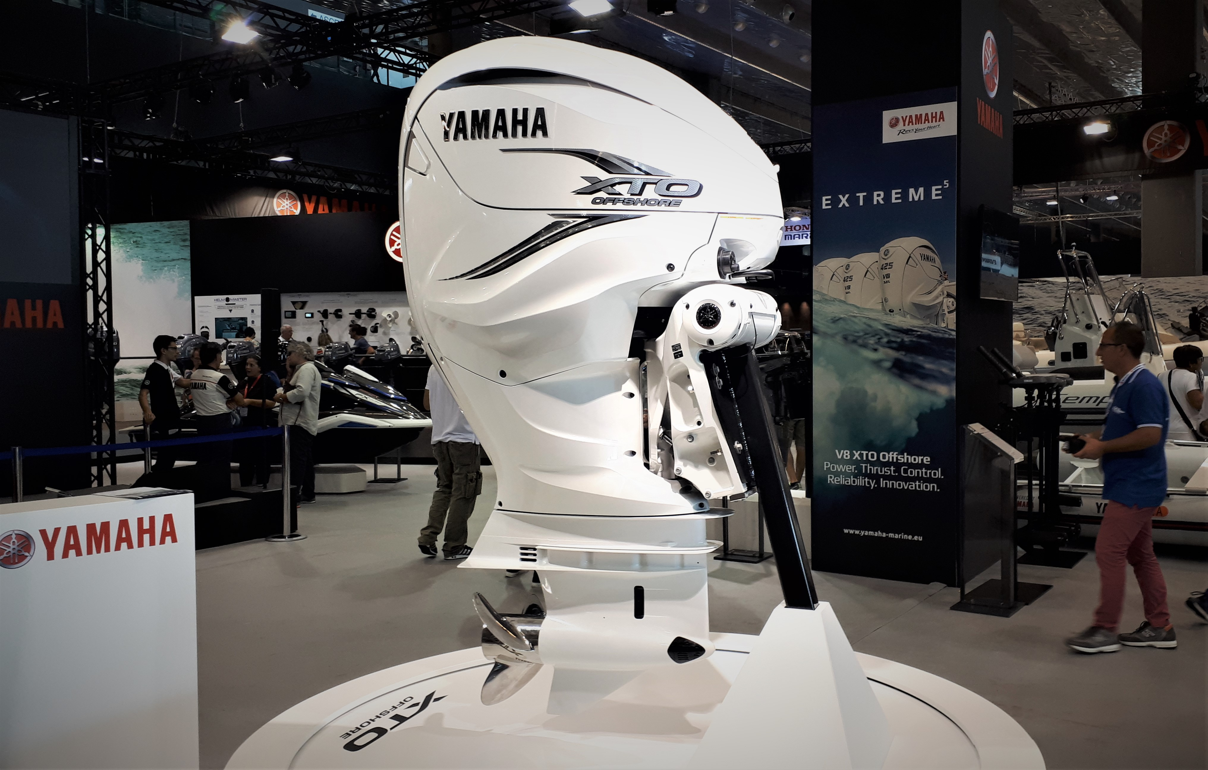 The biggest ever, here is the new Yamaha V8 XTO Offshore