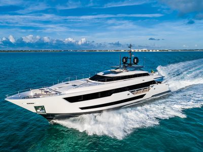 Custom Line 120, a strong personality