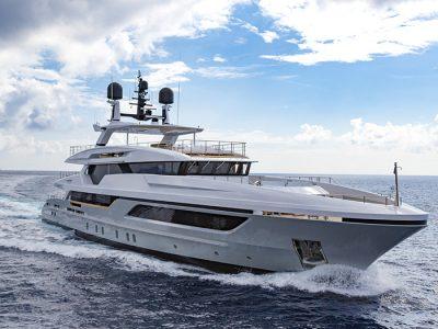 Baglietto 48M T-Line, reinventing the classic