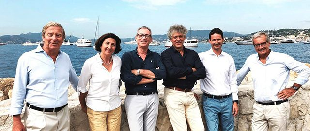 Founded Equinoxe Yachts International, dedicated to the international market of large yachts