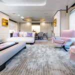 Azimut Grande 32_Main Salon_1