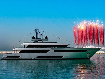 Varato il primo superyacht Riva 50 m