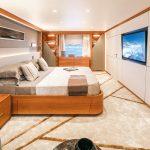 BAGLIETTO 48m T-Line Owner's suite (2)