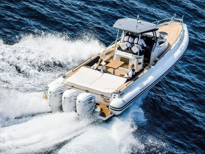Yamaha V8 XTO Offshore, over theLIMIT