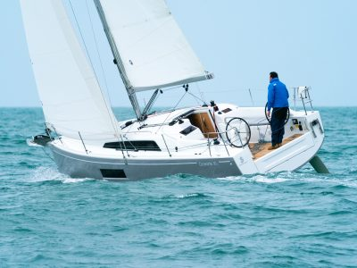 Oceanis 30.1, lo vedremo ai saloni di Cannes e Genova