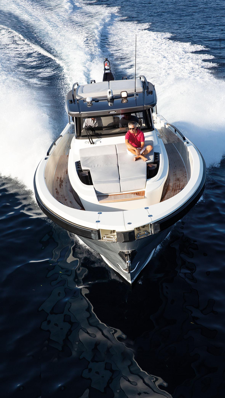 Bluegame BG 42, Multi-Utility Sport Yacht - Barchemagazine com