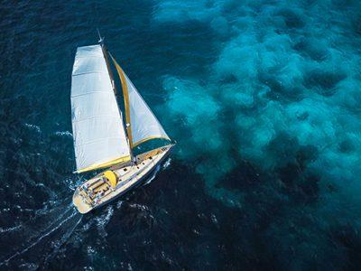Dieci luoghi da sogno raggiungibili solo in barca