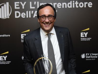 """Massimo Perotti vince il premio Ernst & Young """"Imprenditore dell'anno 2019"""""""