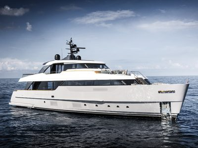 Sanlorenzo SD96, inspired by the sea