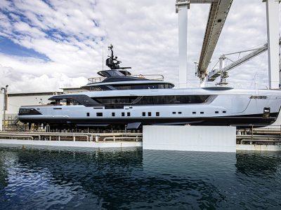 Geco, il megayacht charter di Admiral scende in acqua