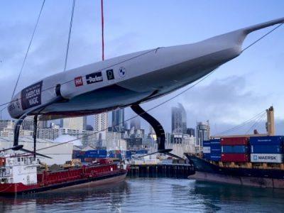 American Magic, la prima barca è arrivata ad Auckland