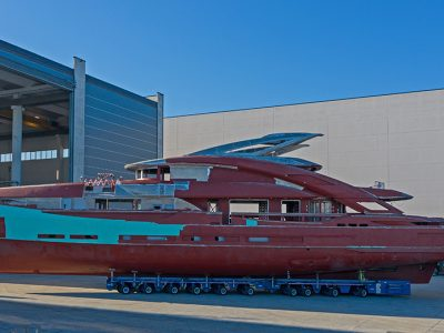 ISA Yachts, in allestimento lo scafo numero 1 dell'ISA GT 45 metri