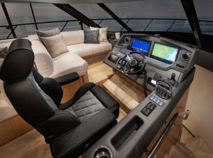 riviera 5400 sport yacht helm station
