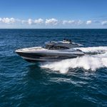 Riviera-5400-Sport-Yacht-Platinum-Edition-Running-07