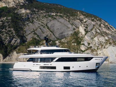 Custom Line presenta la nuova Navetta 30