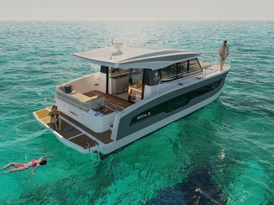 Fountaine Pajot MY4.S, far from the madding crowd