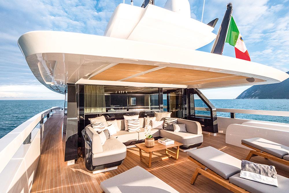 Extra 93 Extra Yachts