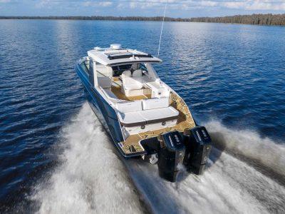 Mercury Marine ridefinisce gli standard con il nuovo fuoribordo Verado V12 da 600hp