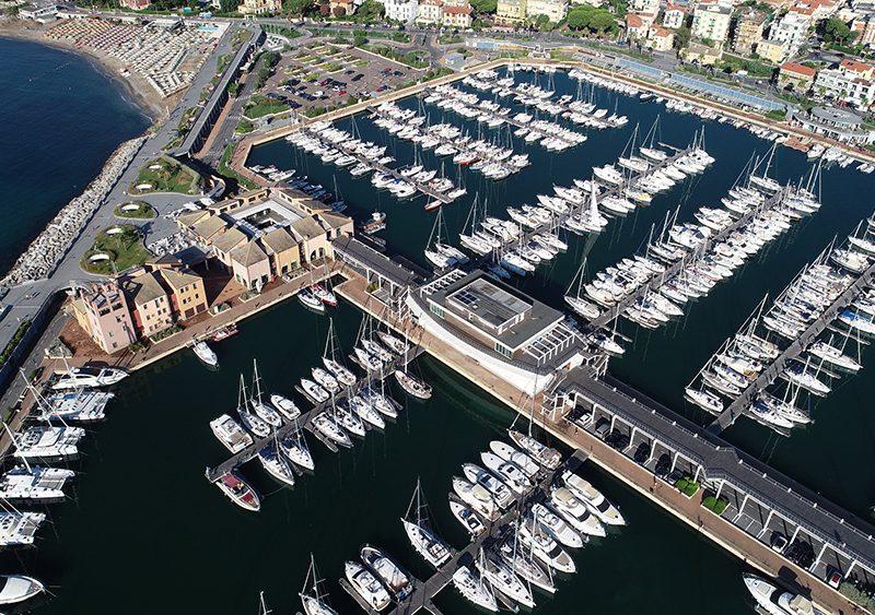Sul Marina di Loano sventola la nona Bandiera Blu