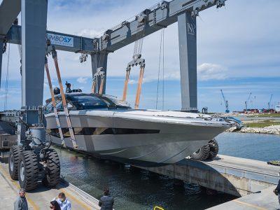 Sceso in acqua l'ISA Super Sportivo 100ft GTO