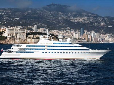 Lady Moura, the superyacht sold in-house
