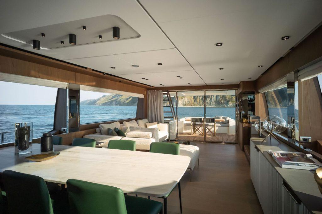 Ferretti Yachts 780, salon