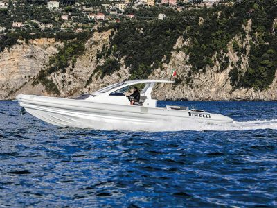 Pirelli 42, incredible hull